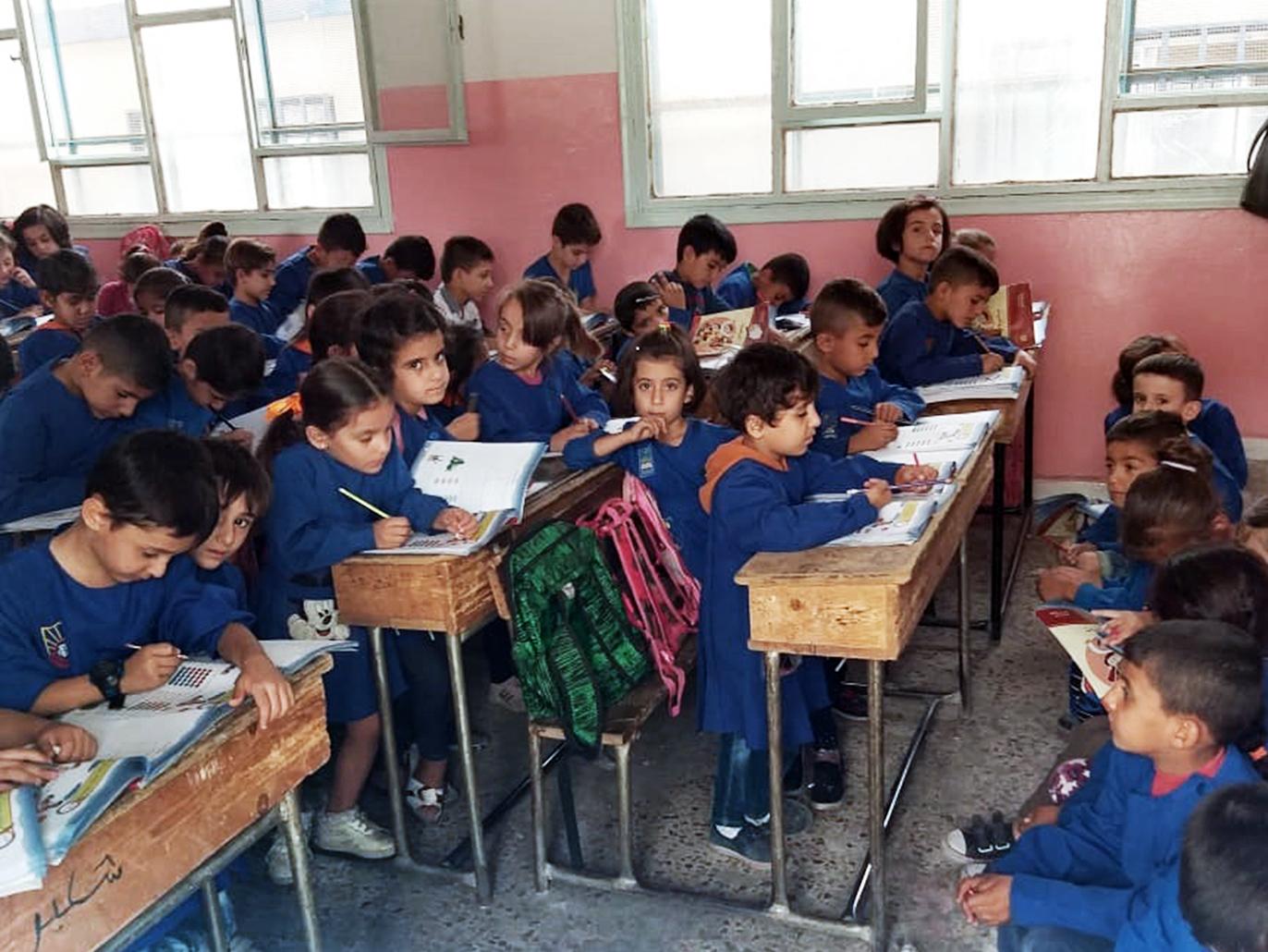 The regime closes 7 classes in Lattakia schools due to Corona